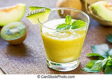 Melon with Kiwi smoothie