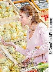 melone, donna, acquisto