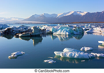 Melting ice in the lagoon, Iceland. - Icelandic spring...