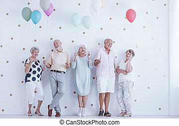 membres famille, ensemble, rire