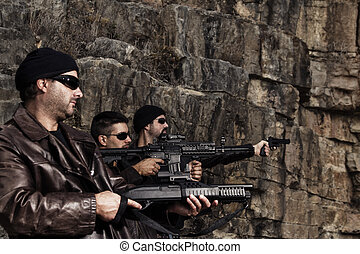 membros grupo, armas