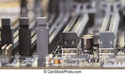 Memory and PCI-E slots on server ma