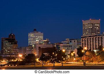 Memphis skyline at night