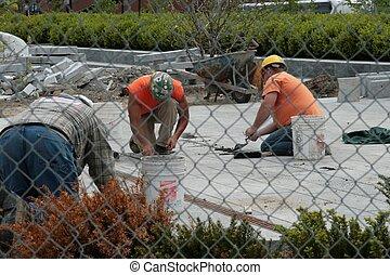 Men at work 01