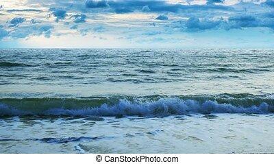 menaçant, assombrissement, sur, nuages, ultrahd, sea., ...