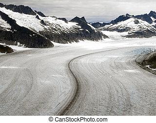 Mendenhall Glacier - Juneau Ice fields - Alaska - USA -...