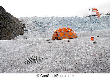Mendenhall Glacier`s camp
