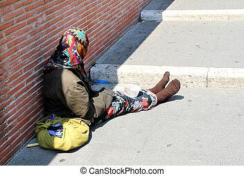 mendigar, gitano, mientras, calle, pavorosas, ropa