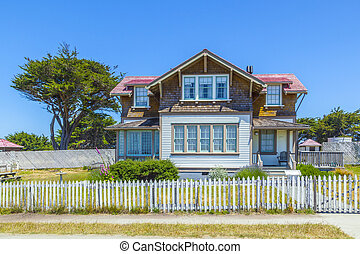 home of lightkeeper of Point Cabrillo Lighthouse - Mendocino...