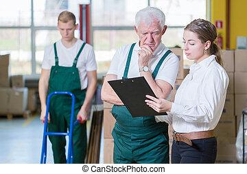 menedzser, beszéd, noha, raktárépület, munkás