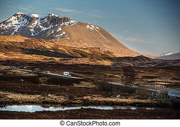 mener, glencoe, higland, écossais, par, route ouverte
