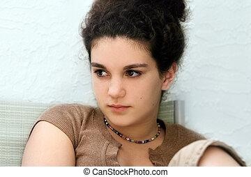 menina adolescente, triste