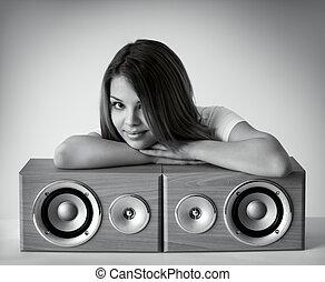 menina, atraente, loudspeakers