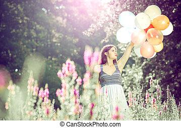 menina, balões, mão., segurando