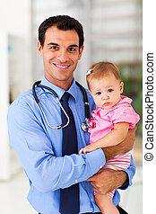 menina bebê, pediátrico, segurando, doutor