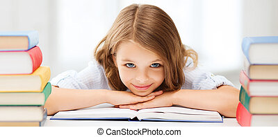 menina bonita, com, muitos, livros, em, escola