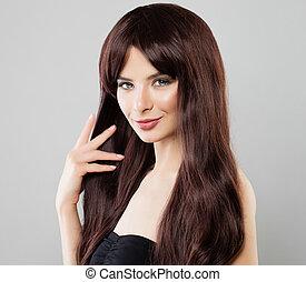 menina bonita, mulher, com, longo, saudável, cabelo marrom, beleza natural