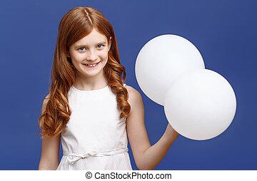 menina bonita, segurando, balões