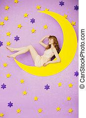 menina, brinquedo, lua, sentando