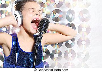 menina, cantando