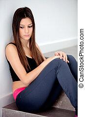 menina, chão, triste, adolescente, sentando