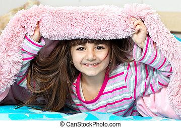menina, cobertor, sob