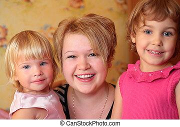 menina, com, duas crianças