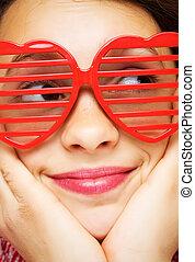 menina, com, engraçado, óculos de sol