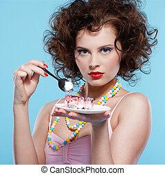 menina, comendo bolo
