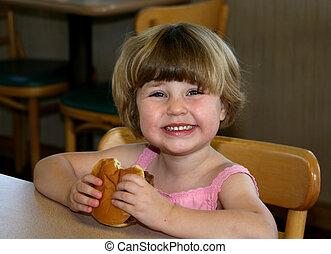 menina, comer, hamburger