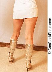 menina, dela, mostrando, legs.