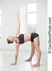 menina, fazendo, esticar, exercícios, em, ginásio