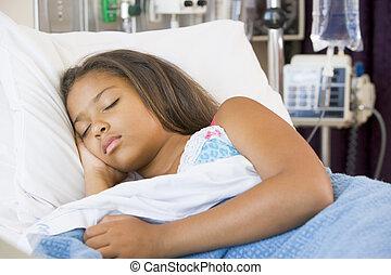menina jovem, dormir, em, cama hospital