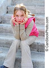 menina, ligado, escadas