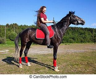 menina, ligado, um, cavalo, com, cabelo, vibrar, vento