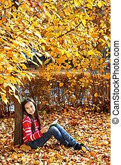 menina, livro, árvore, leitura, sentando