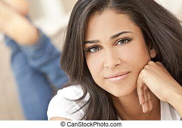 menina mulher, hispânico, jovem, pensativo, bonito