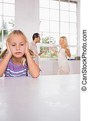 menina, olhar, deprimido, frente, luta, pais