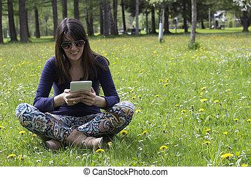 menina, parque, tabuleta, digital