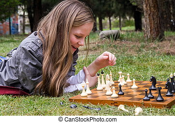 menina, parque, tocando, bonito, xadrez