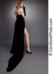 menina preta, vestido