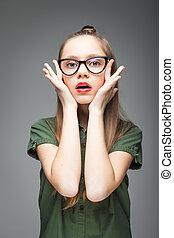 menina, pretas, óculos