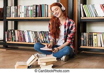 menina sorri, adolescente, dever casa