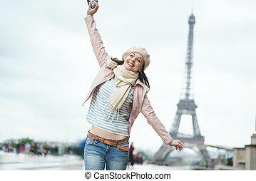 menina sorridente, férias