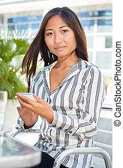 menina, texting, jovem, bonito, asiático