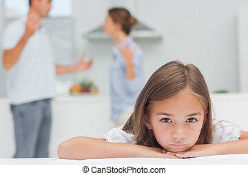 menina, transtorne, escutar, pais, discutir