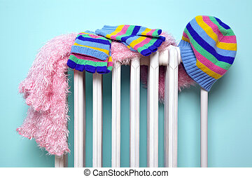 meninas, chapéu, echarpe, e, luvas, secar, ligado, um, radiador