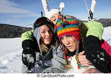 meninas, em, esqui, feriados