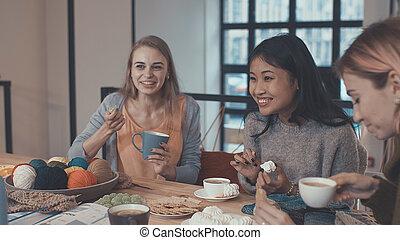 meninas jovens, em, reunião
