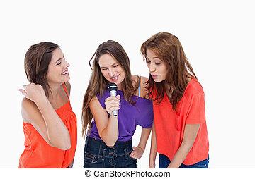 meninas, microfone, energeticamente, cantando, adolescente